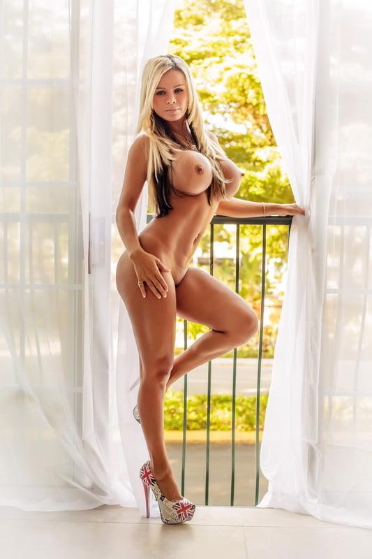 Miranda Cosgrove Nude Pictures Exploited