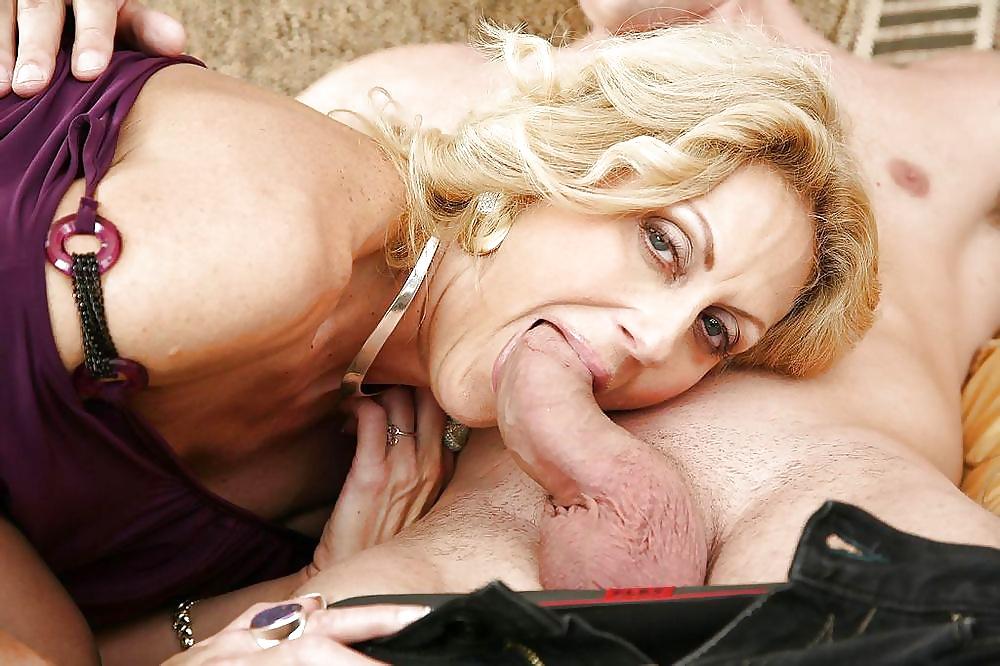 Dana Devine Porn Pics