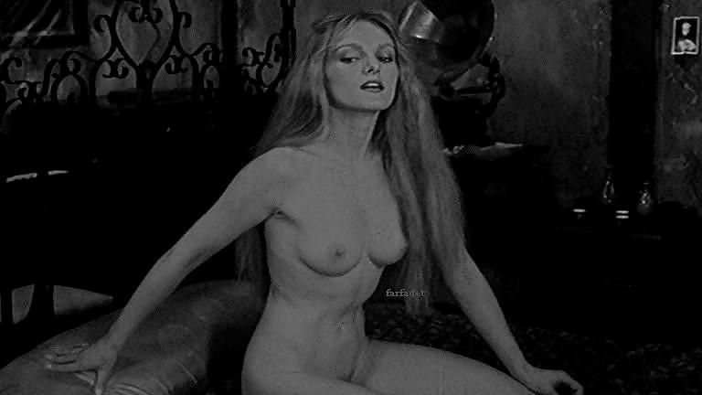 Arielle Dombasle  nackt