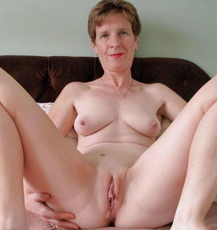 Shaved Mature Granny, Mature Porn Photos