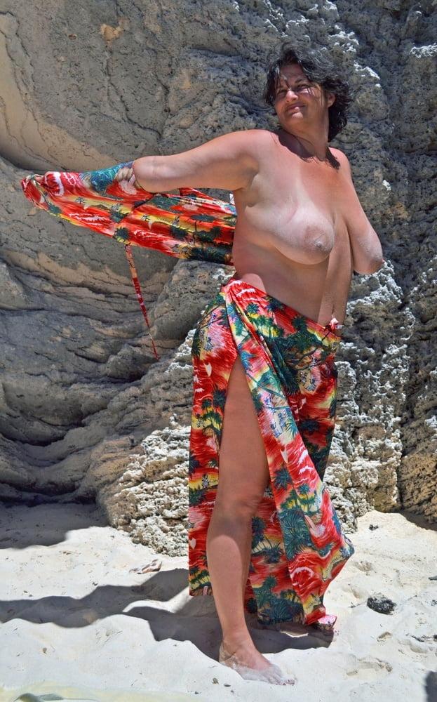 Amateur wife nude beach