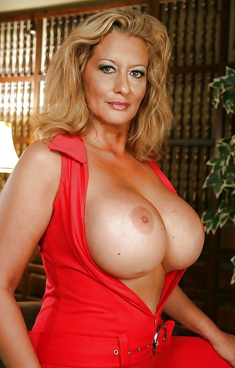 old-porn-hot-busty-milf-in-action
