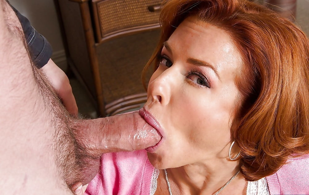 Hot Milf Gives Great Head