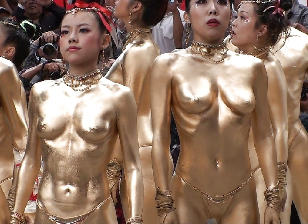 xxx-boobs-chinese-dance-naked-guy