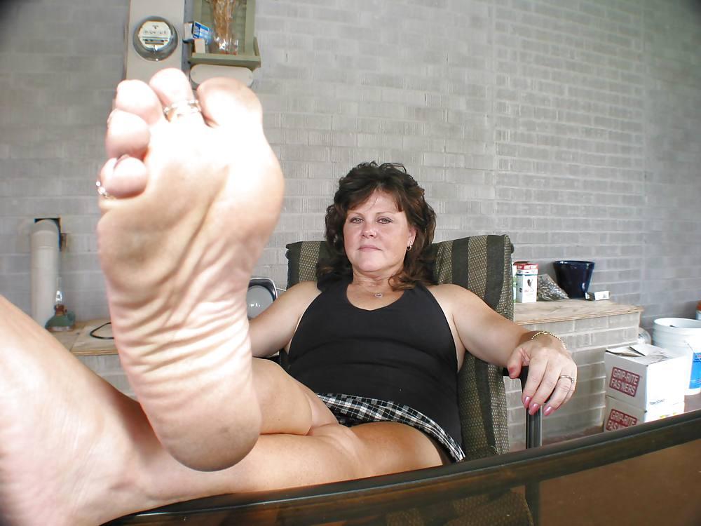 sex-shows-granny-feet-pics