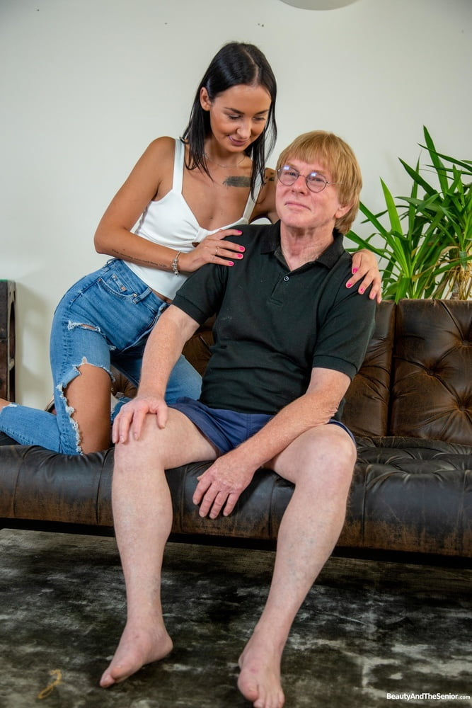 Wet hole fucked by old fart at GrandDadz