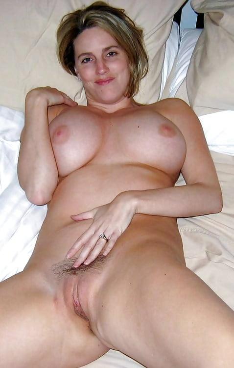 Nackt Und Hübsch