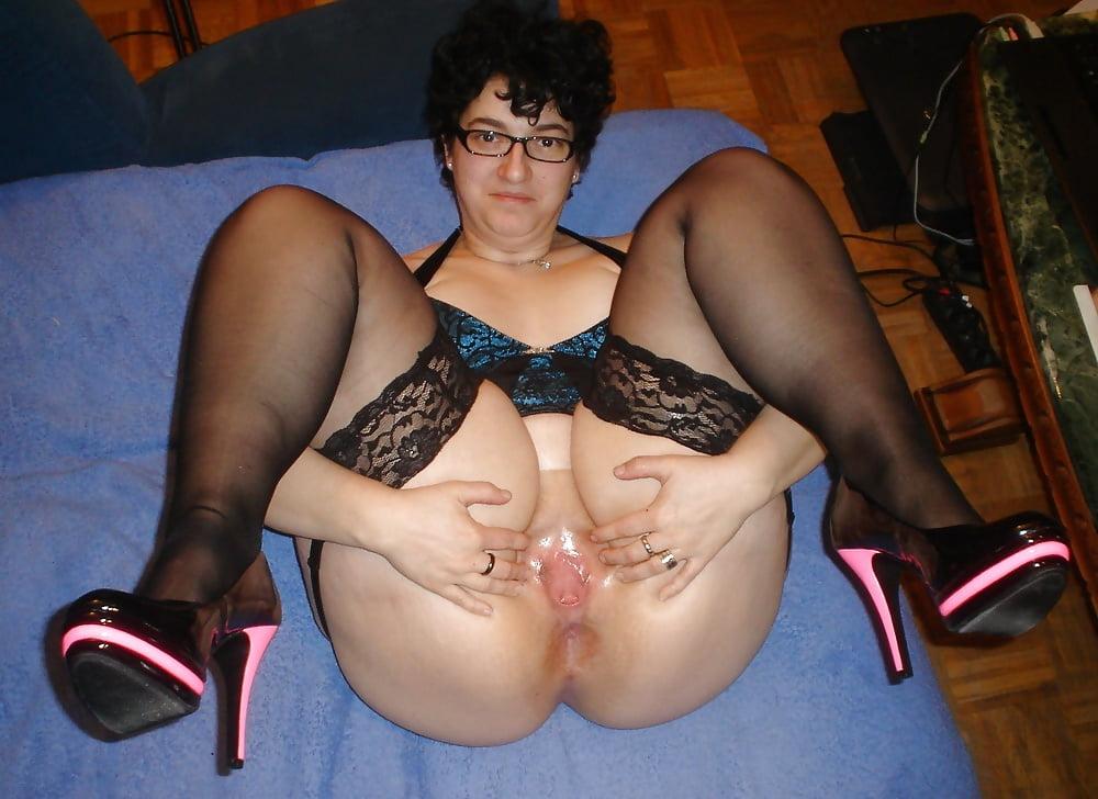 Insanely horny mature bbw slut gives deepthroat blowjob