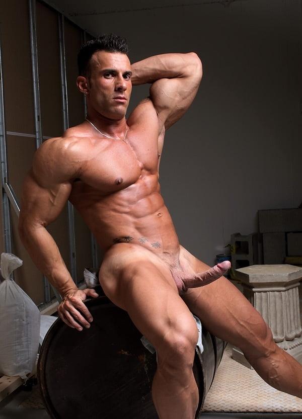 Gay Muscle Men Pics
