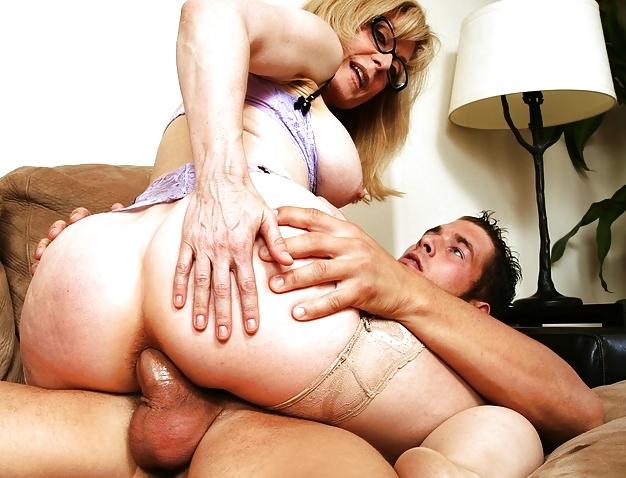 всегда порно в возрасте любят анал комендантском взводе
