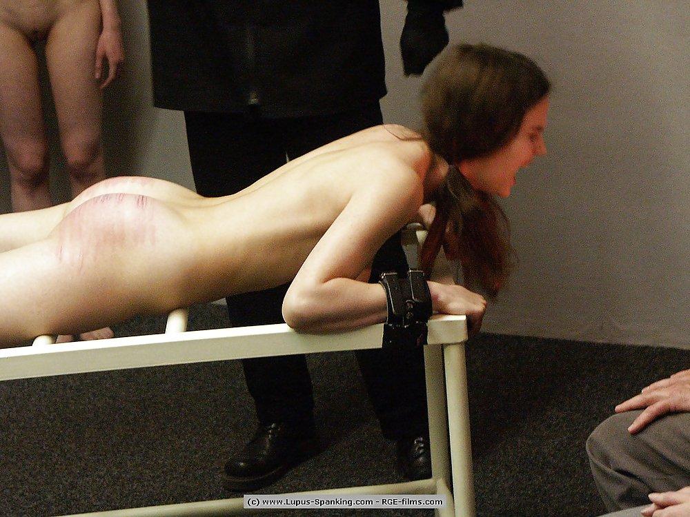 видео наказания голых девок - 8