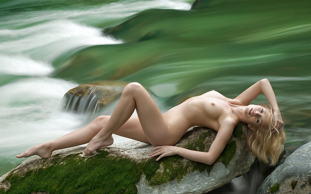 Hottest girls on the planet nude