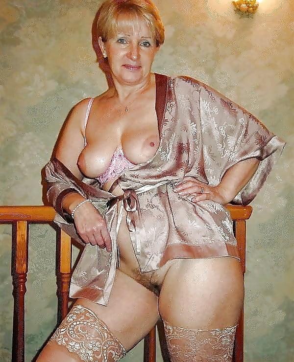 glotayut-sborka-eroticheskoe-foto-teshi
