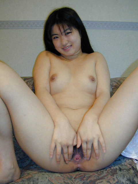 Japanese girl uses toy-7083