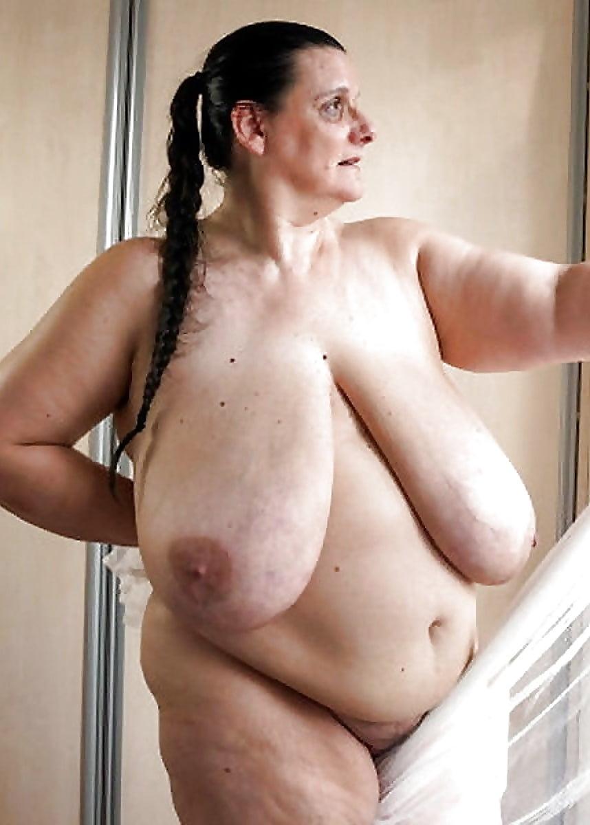 порно фото пожилых женщин с огромными сиськами