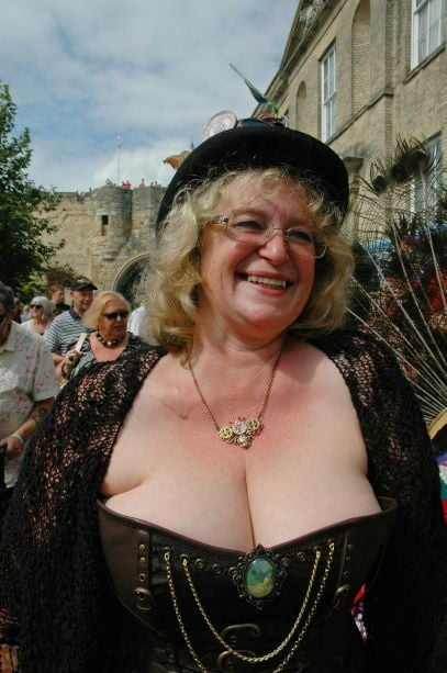 Mature ladies braless cleavage pokies 209
