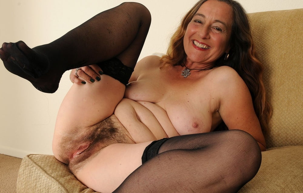 Old Milf Hairy Pussy