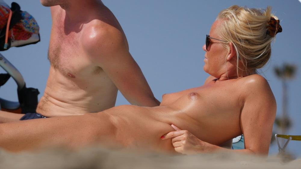 Amateur Unseen Nudist Couple Incredible Beach 1