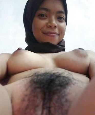 Muslim Nude