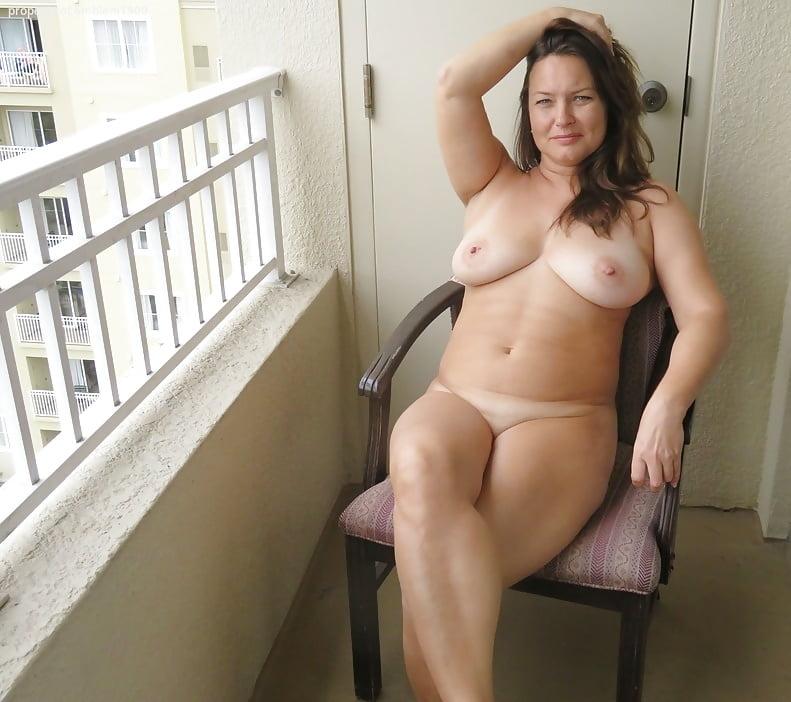 Sexy nude wife milf curvy