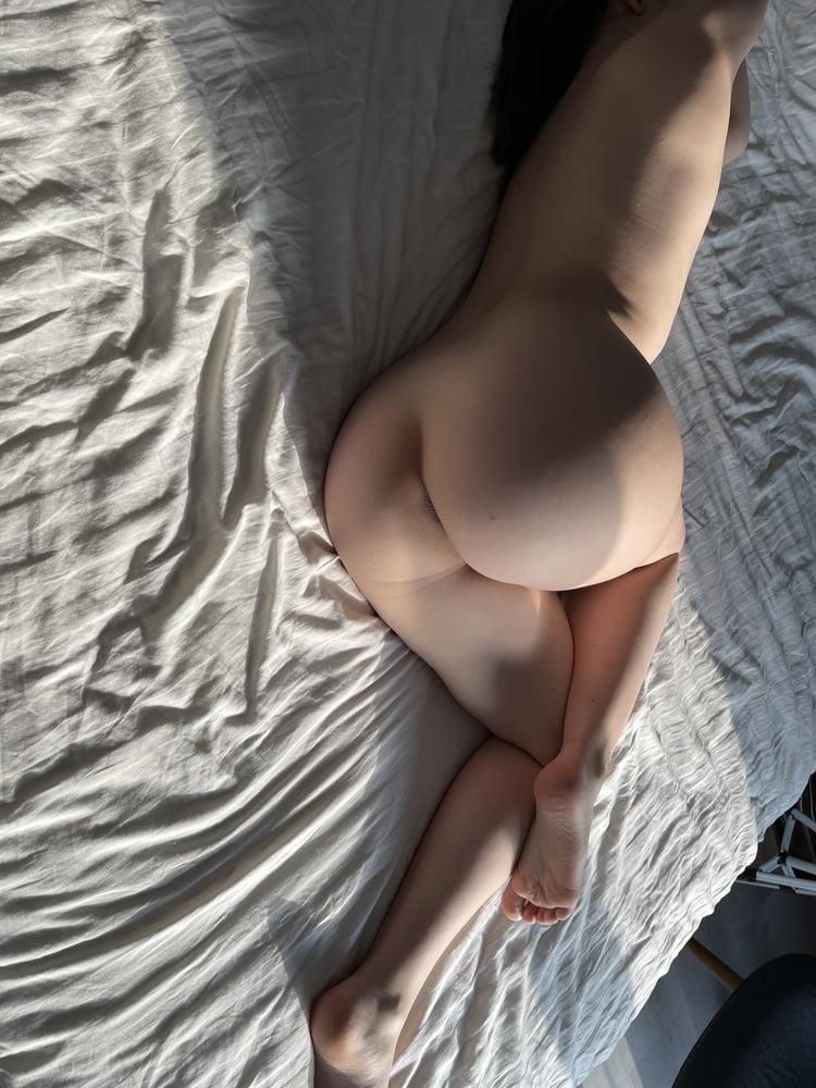 Sunny butt gallery - 50 Pics
