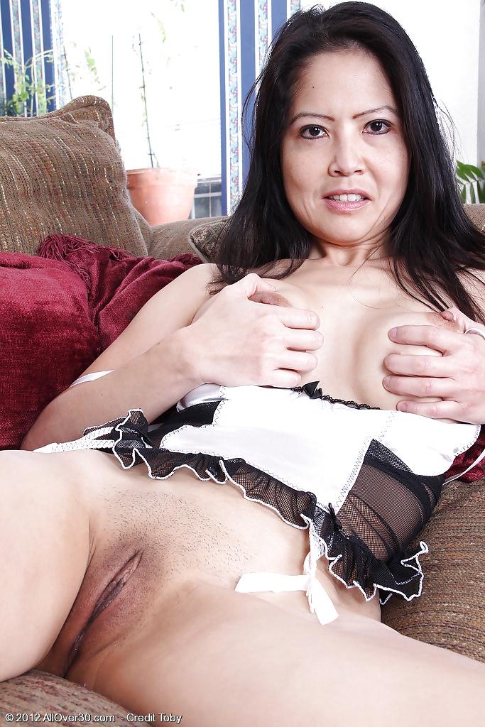 Зрелая азиатка соблазняет — photo 12