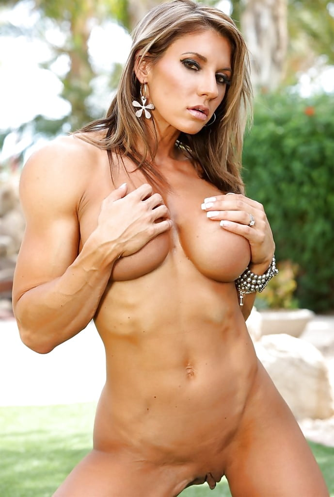 lady-athletic-mature-babe-panties