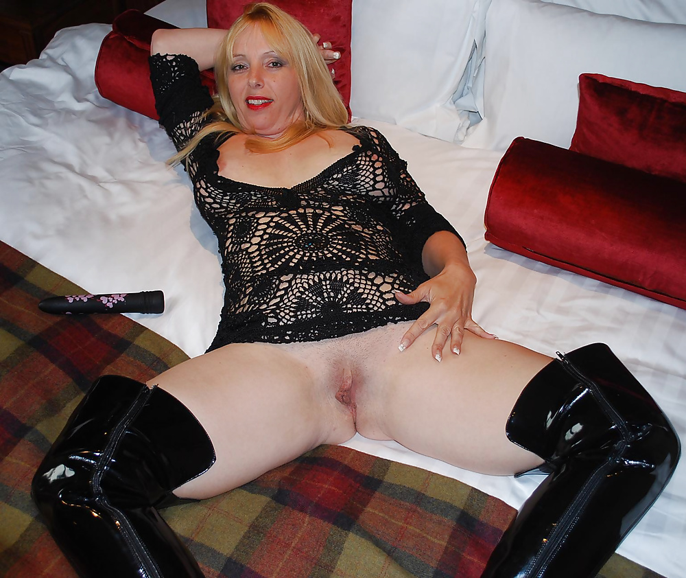 Mature in boots porn pictures