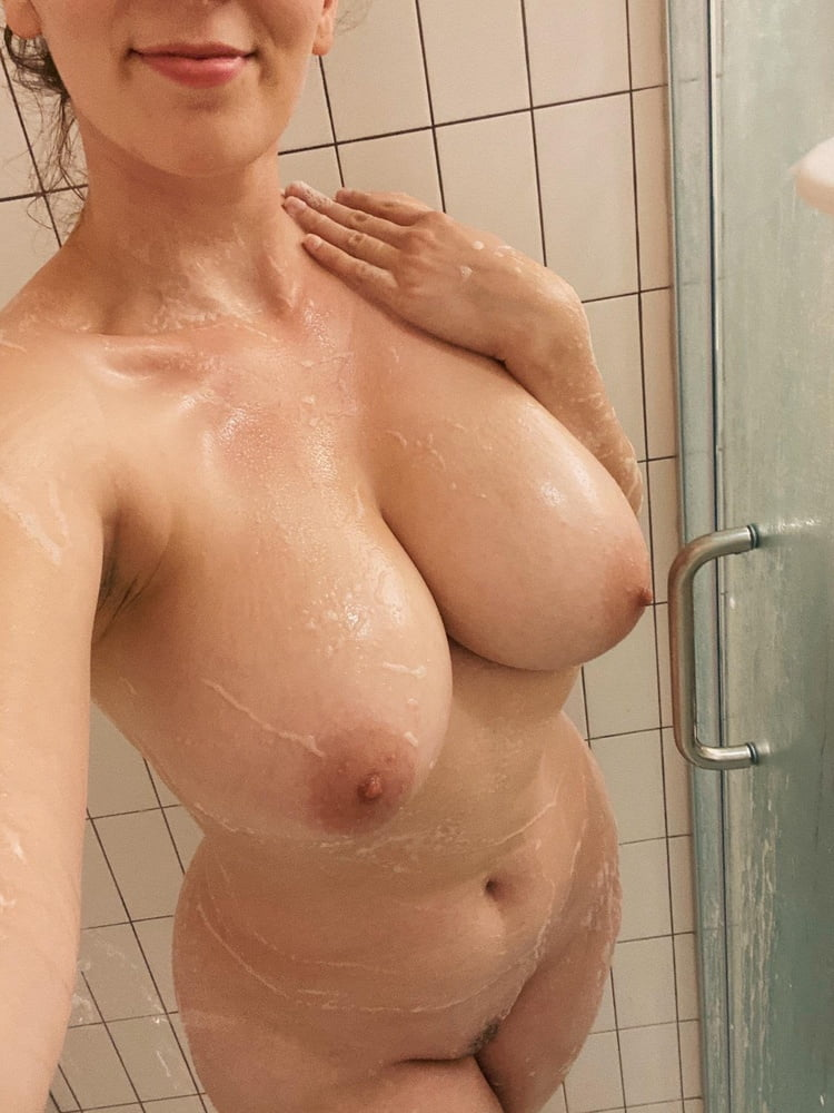 Sagging huge tits-6749