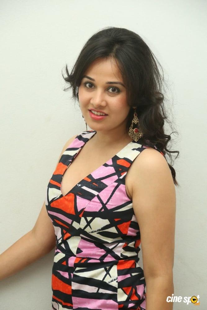 Nisha kothari nude photos-8132