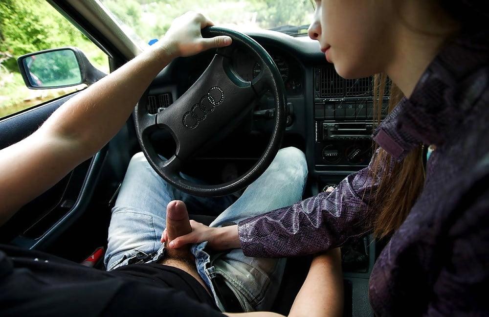 Минет в машине девушка за рулем фото, трахает до слез смотреть порно онлайн