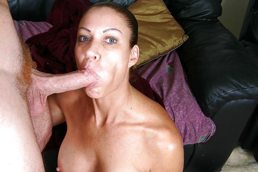 Mom sucking small dick