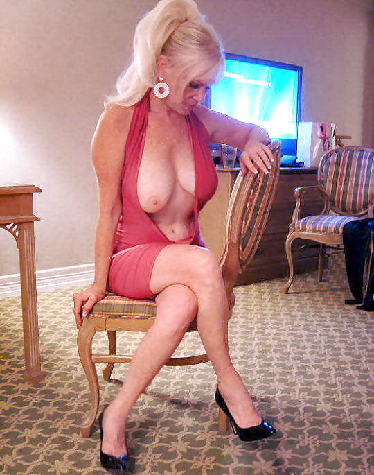 Time To Visit Your Favourite Milf X10 32 Pics Xhamster