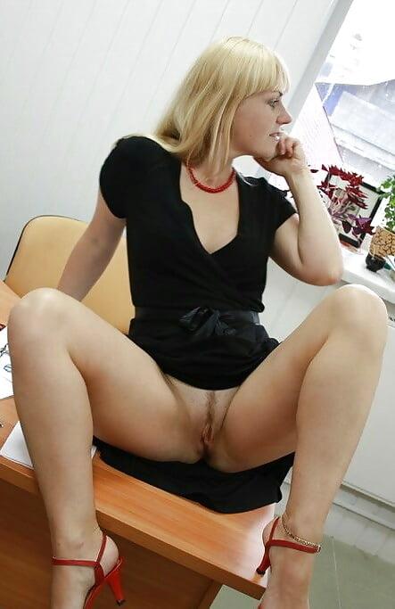 Кончил в бухгалтерии мастурбируют