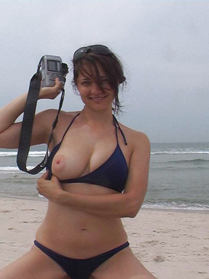 Women nake beach bikini boob flash videotures mum and daughter