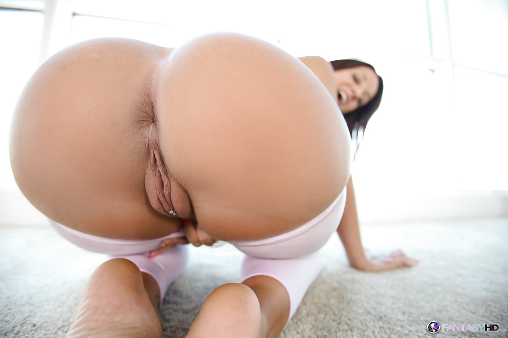 porn-girls-bubble-bums-and-pussys