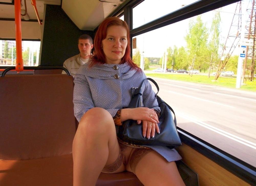 использовании фото под юбкой в трамвае ню подругу