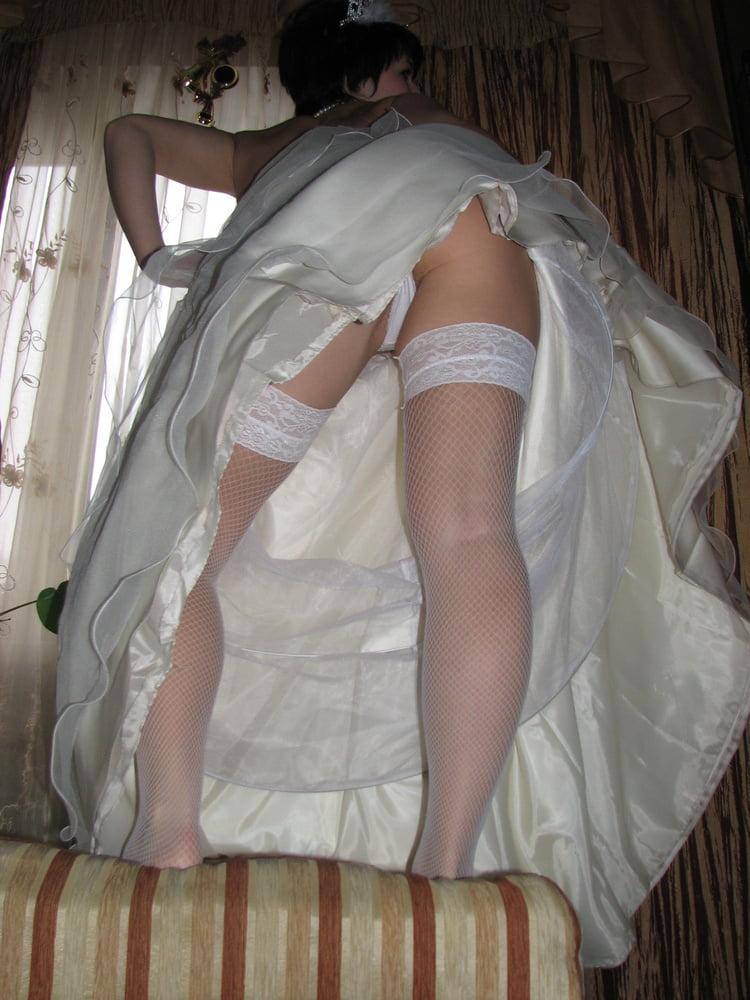 коньки эротическое видео невеста переодевается работу бензопил