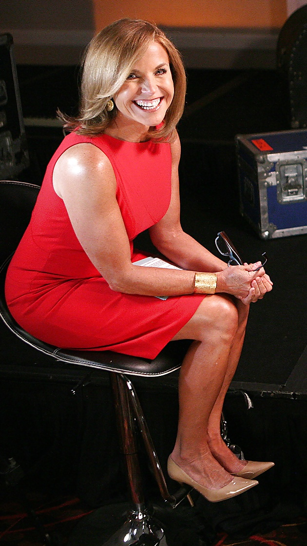 Picture of katie couric sexy leg