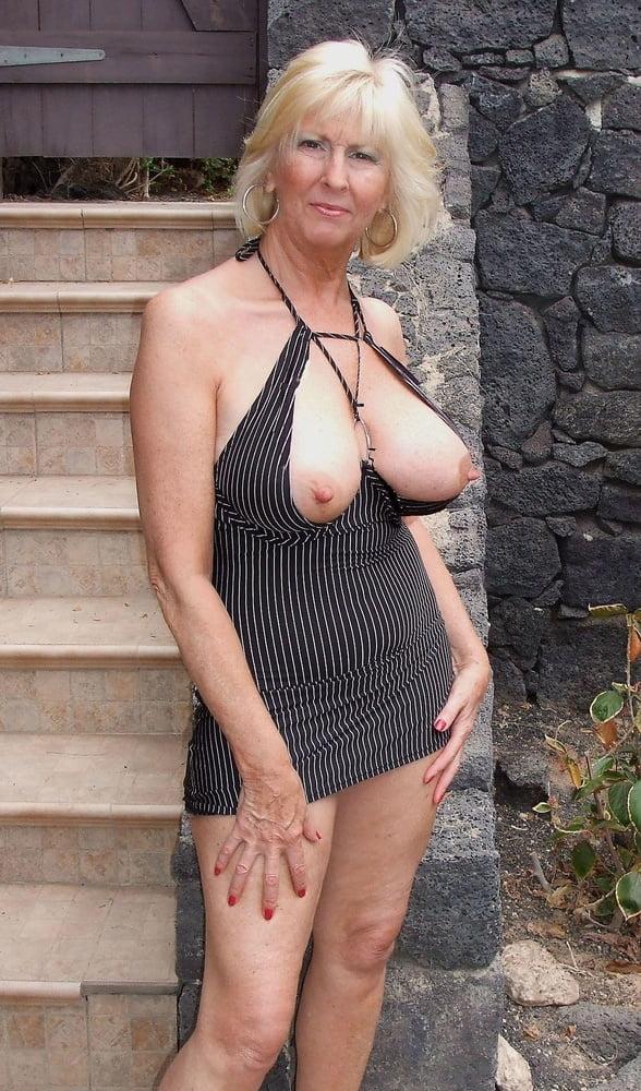 Big natural boobs milf