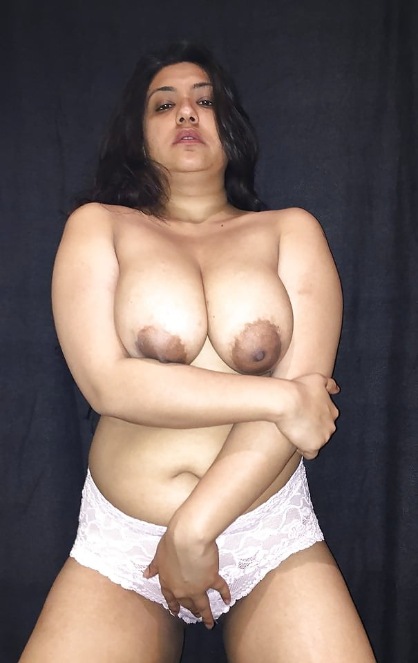 Hyderabad big boobs ass aunty red bra panty naked
