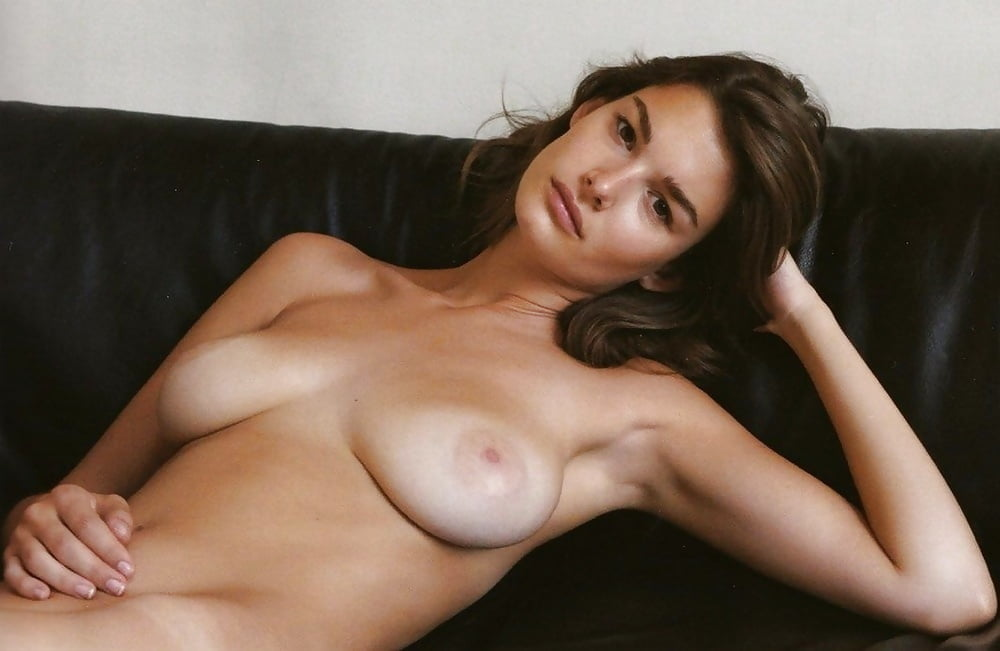Safina french nude model