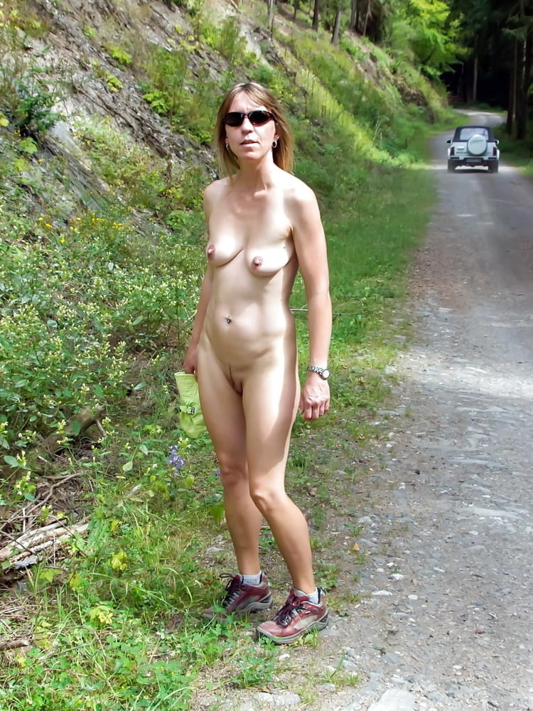 kath-sex-girl-stripping-outside-nude-man-sexual-act