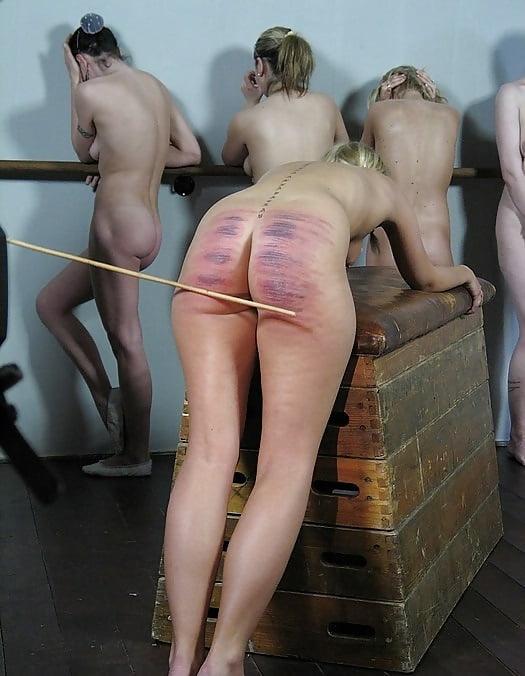 naked-women-spanking-naked-nude
