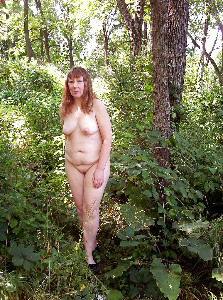emo-my-wife-naked-in-a-field-handcuffed