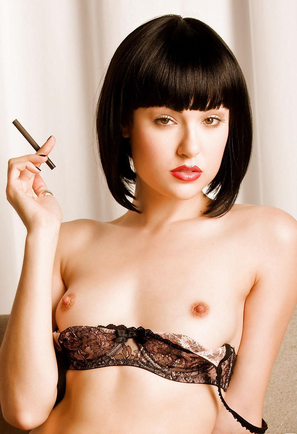 Порно фото брюнеток с каре — photo 9