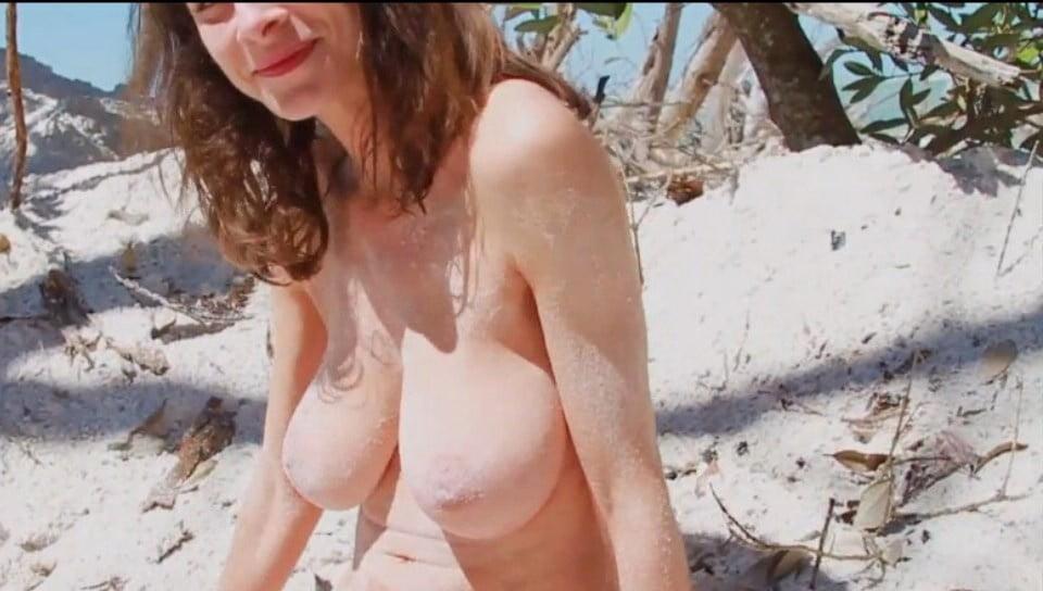 Beach girl tits