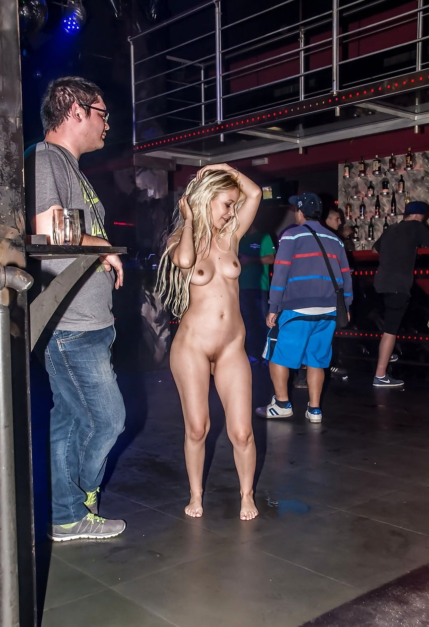 nude-virgin-nude-at-club-dee