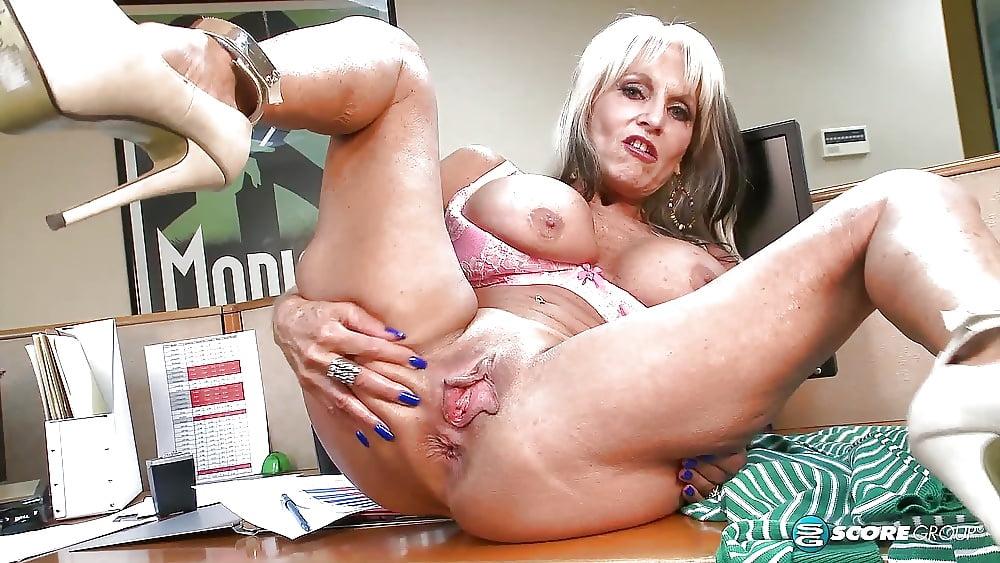 porno-filmi-s-salli-heyzel