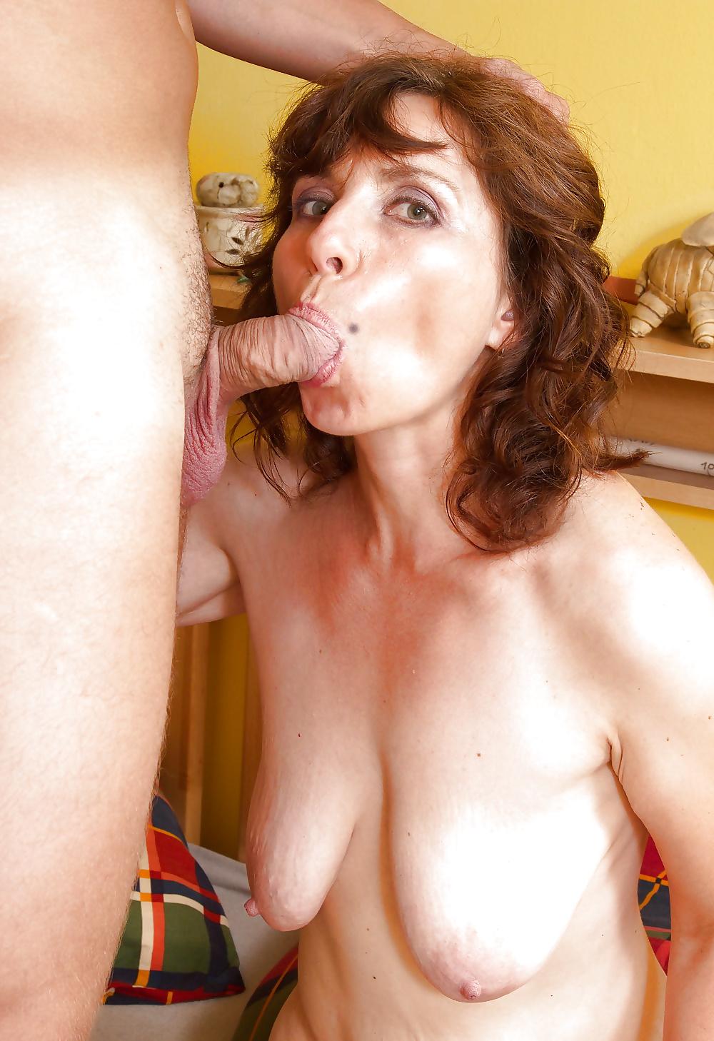 Super saggy tits